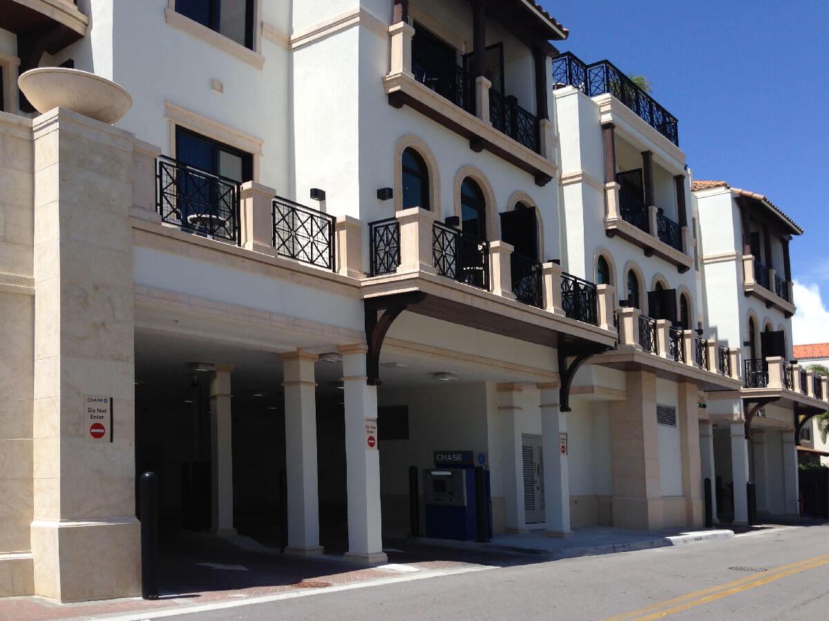 Naples Inn