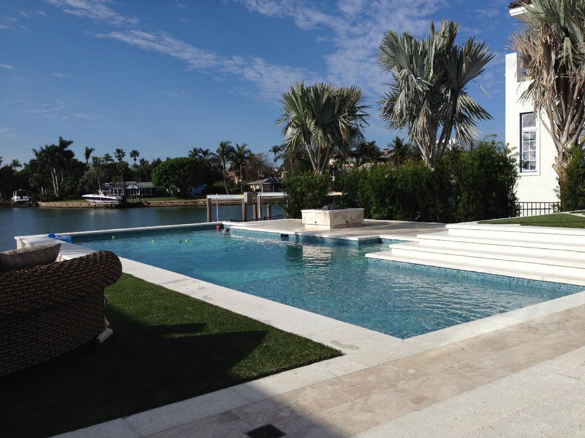 Naples Residence Pool